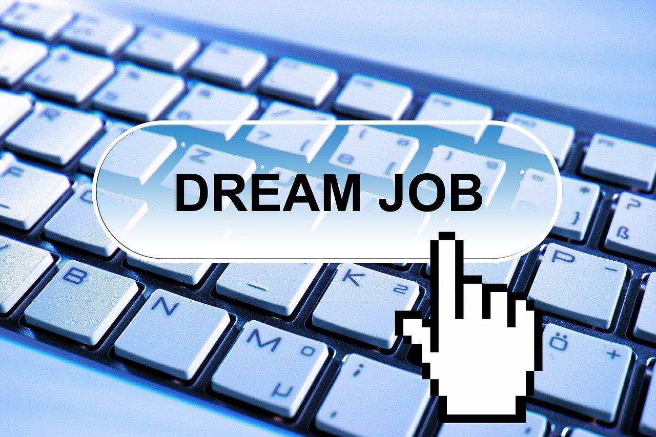 4 خطوات كيف يمكنك إيجاد وظيفة أحلامك ؟