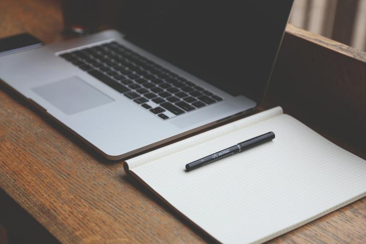 كتابة المحتوى في سوق العمل عبر الإنترنت